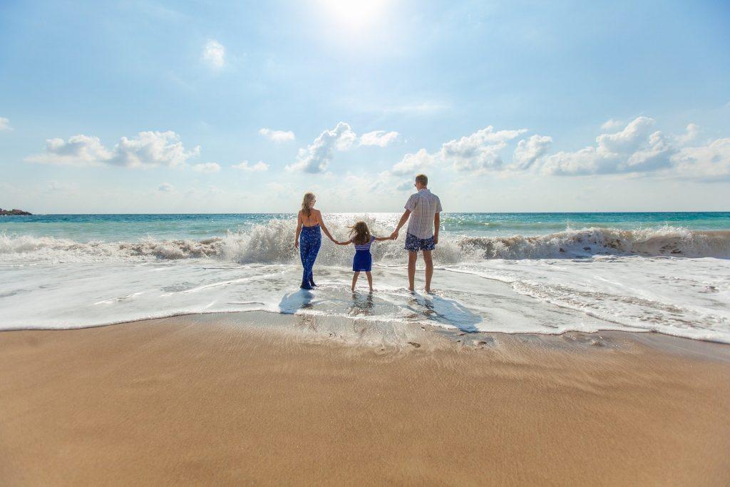 החופש הגדול הילדים מרוויחים חופשה, וההורים זוכים למנוחה - כך תעשו זאת! - עידן בן אור
