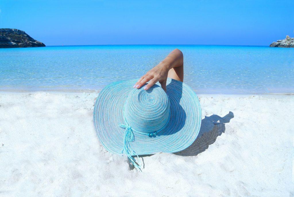 איך להתארגן לבילוי בחוף הים המדריך המלא