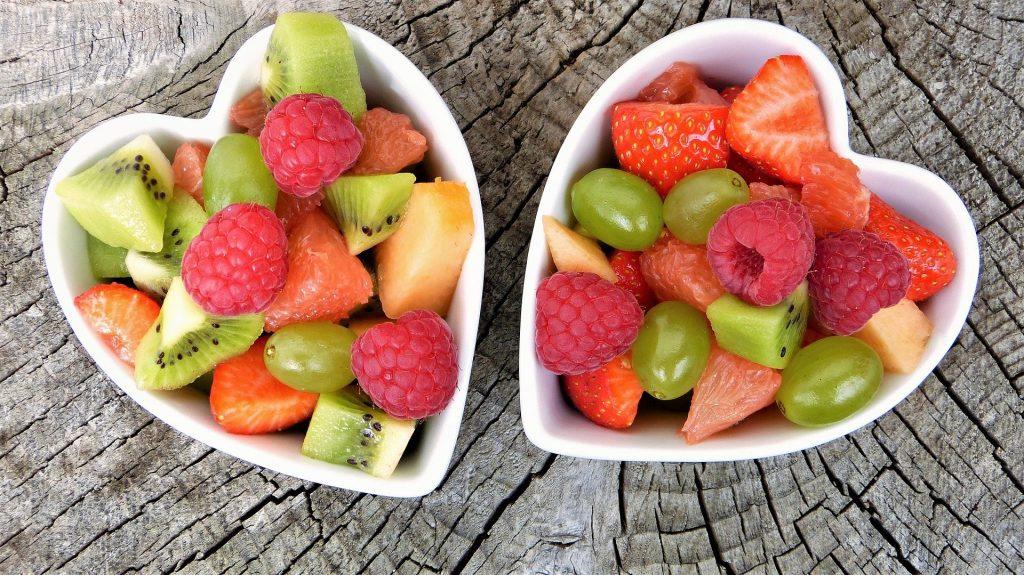 מסושי-פירות-עד-חבית-אבטיח-קינוחי-פירות-מפנקים-לאירועים